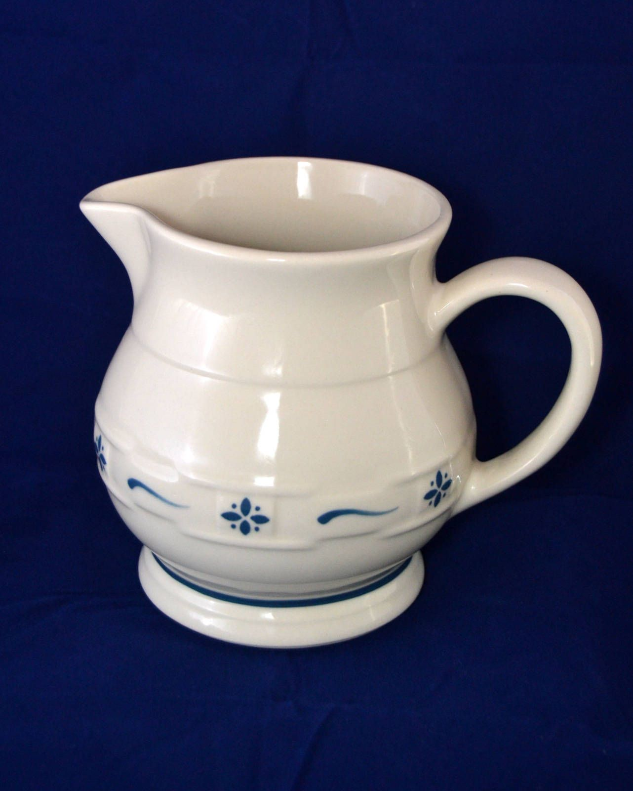 """Longaberger Woven Traditions /""""Classic Blue/"""" 32 Ounce Pitcher"""
