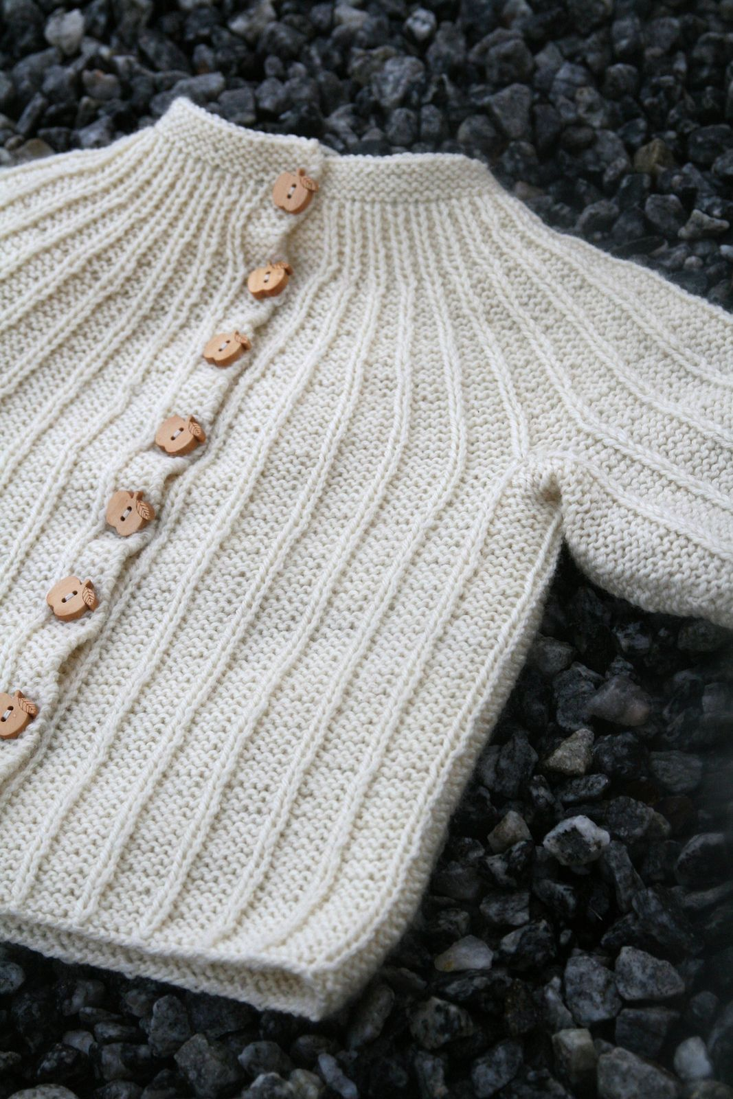 006 | Baby knitting, Crochet and Knit baby sweaters