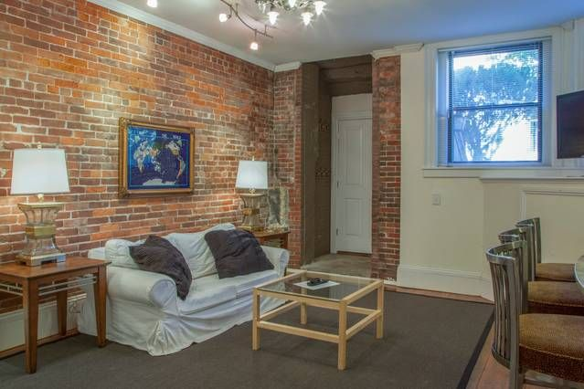 Charming Entire Home/apt In Boston, United States. Adorable, Classic Brownstone One  Bedroom