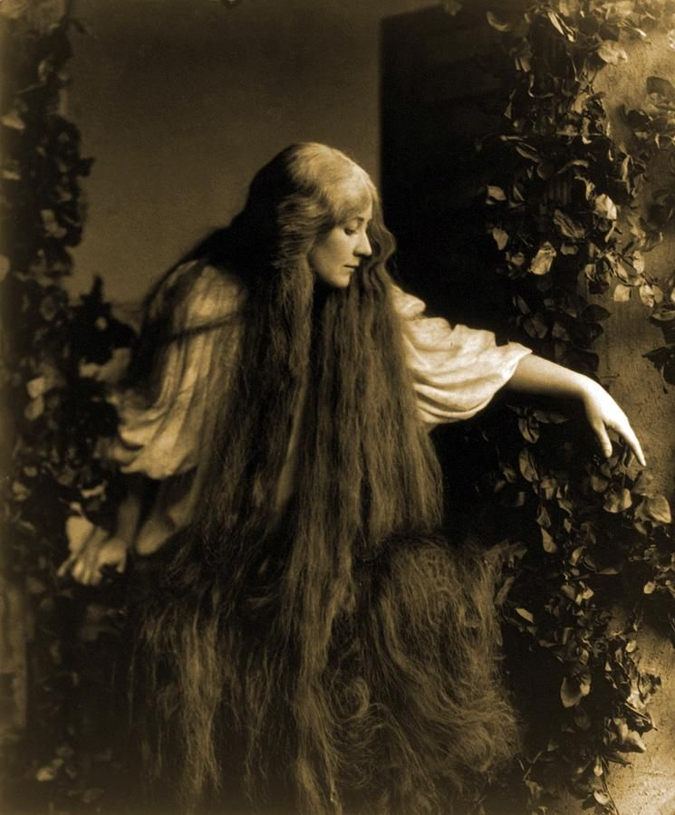 Mary Garden as Debussy's Mélisande
