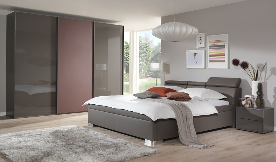 Brown And Pink Wardrobe Gloss Neutral Colours Master Bedroom Bedroom Furniture Bedroom Closet Design Luxury Bedroom Furniture Luxurious Bedrooms