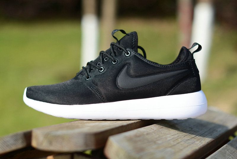 88a5ba4ac5c Nike-Roshe-two-running--shose-Black-Sail-Volt-Anthracite-844656-003 ...