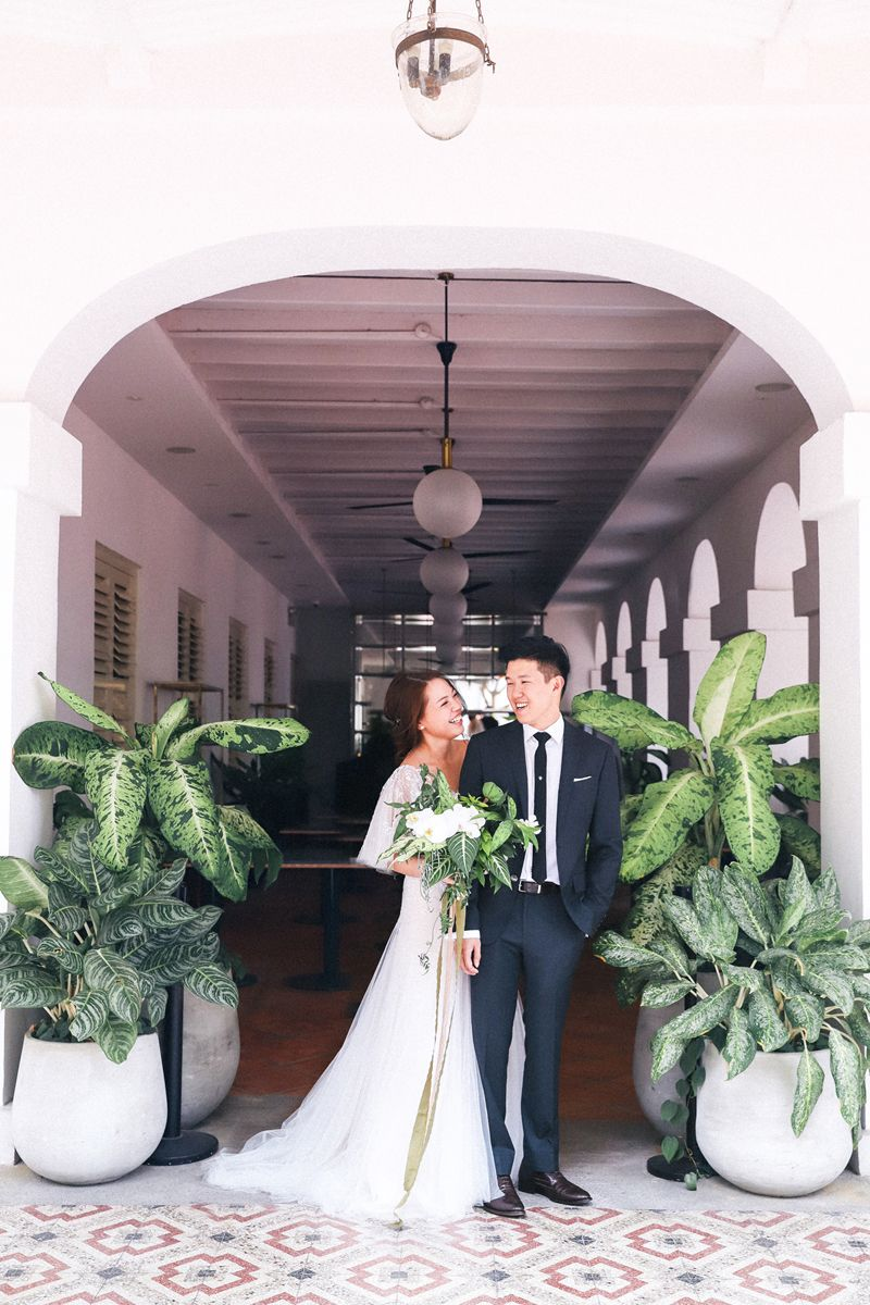 Shermaine And Kelvin S Wild Botanical Wedding At Chijmes Singapore Botanical Wedding Wedding Pre Wedding Photoshoot [ 1200 x 800 Pixel ]