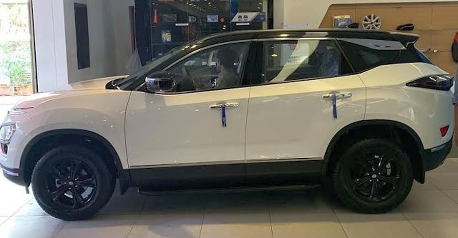 Caught in Tata Harrier video with dualtone paint layout