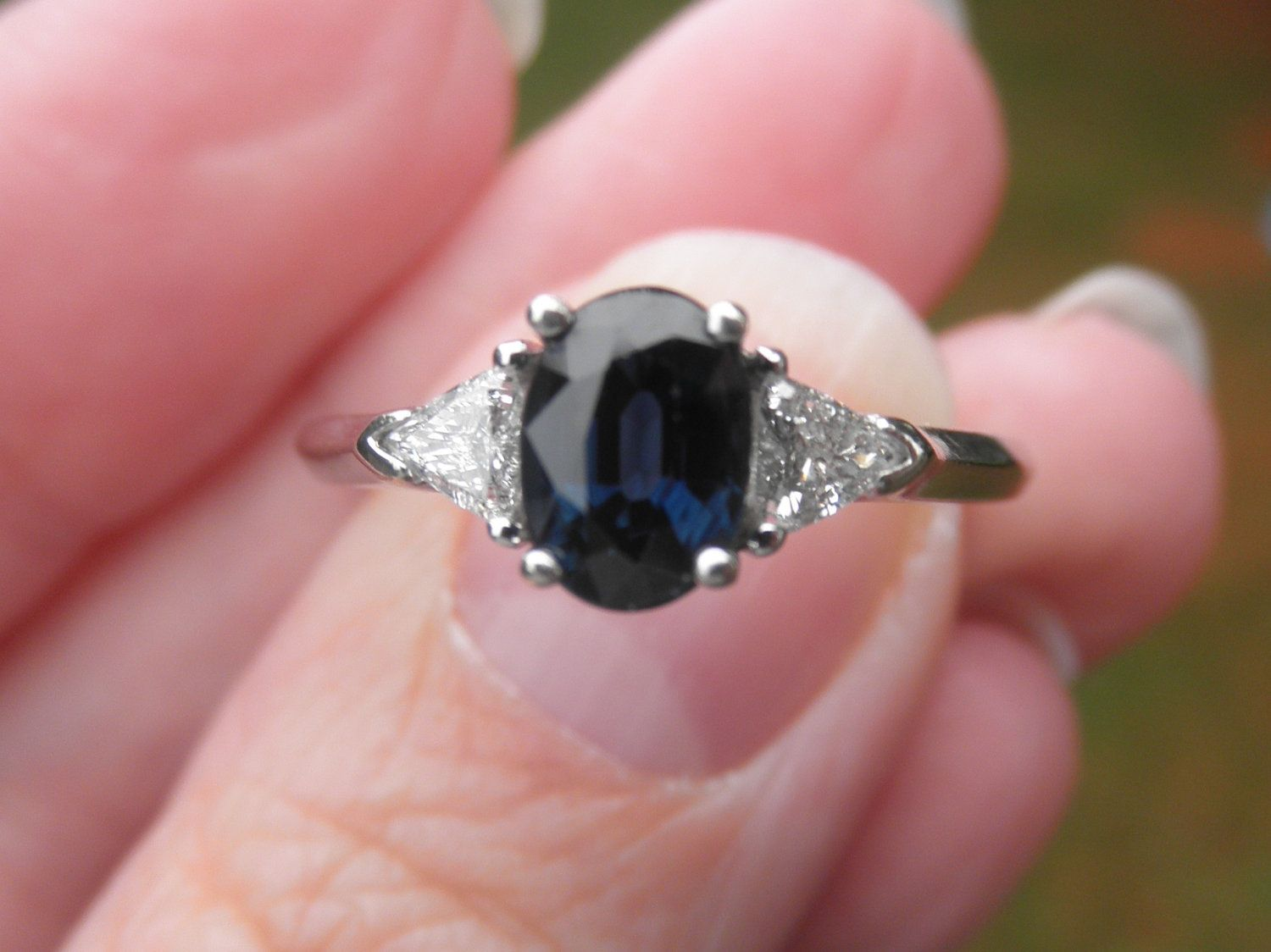 Beautiful Natural Blue one carat Sapphire and 50 points in trillion ...