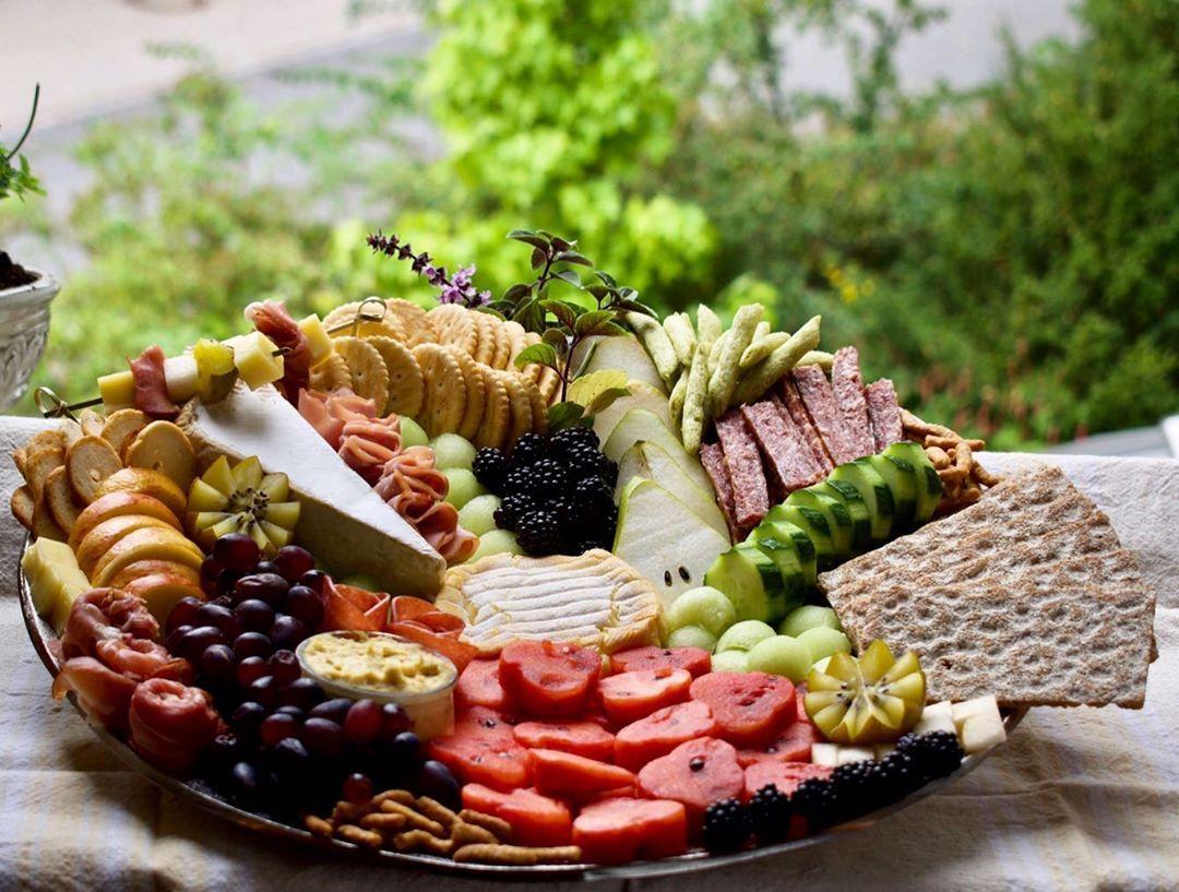 "Fun With Food - Merriment on Instagram: ""Last weekend's platter.🍇🍉  #foodstyle #foodstyling #foodstylist #foodphotography #food #foodphoto #foodstagram #foodpics #foodfeed…"""