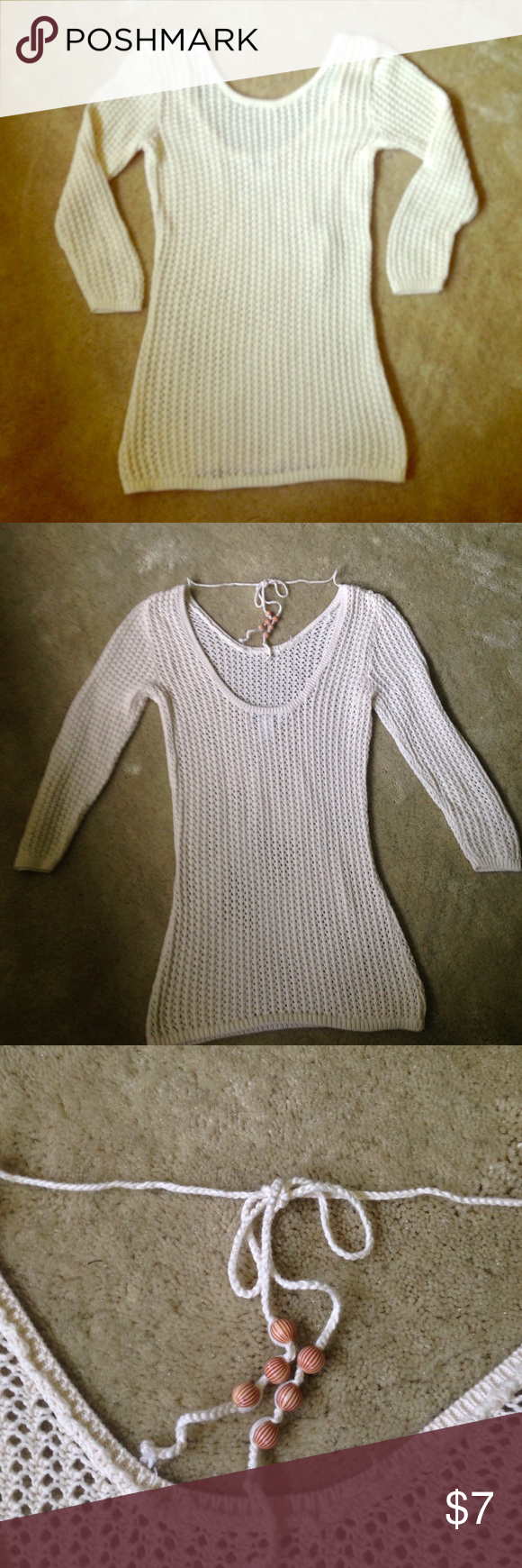 Cream sweater Cream colored sweater by Old Navy is the perfect piece for a breezy, relaxed beach look. Adorable with a denim skirt or white pants in the summer months Old Navy Sweaters