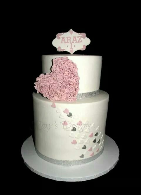 Flying hearts cake