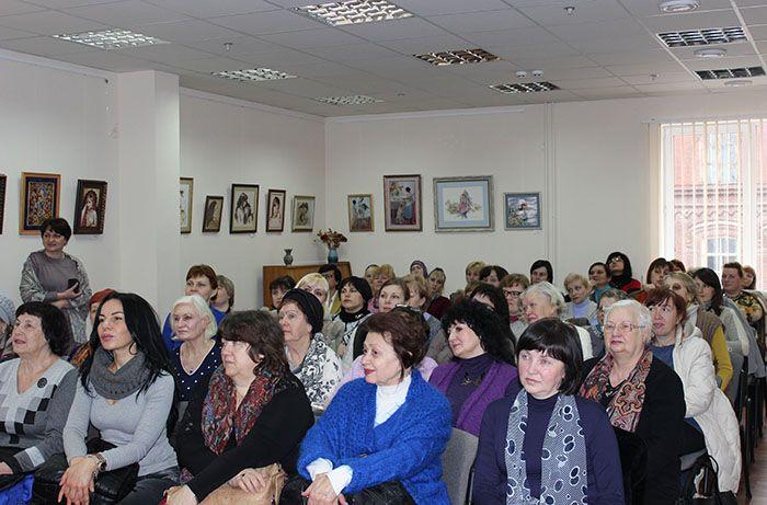 Гості та учасники церемонії відкриття виставки