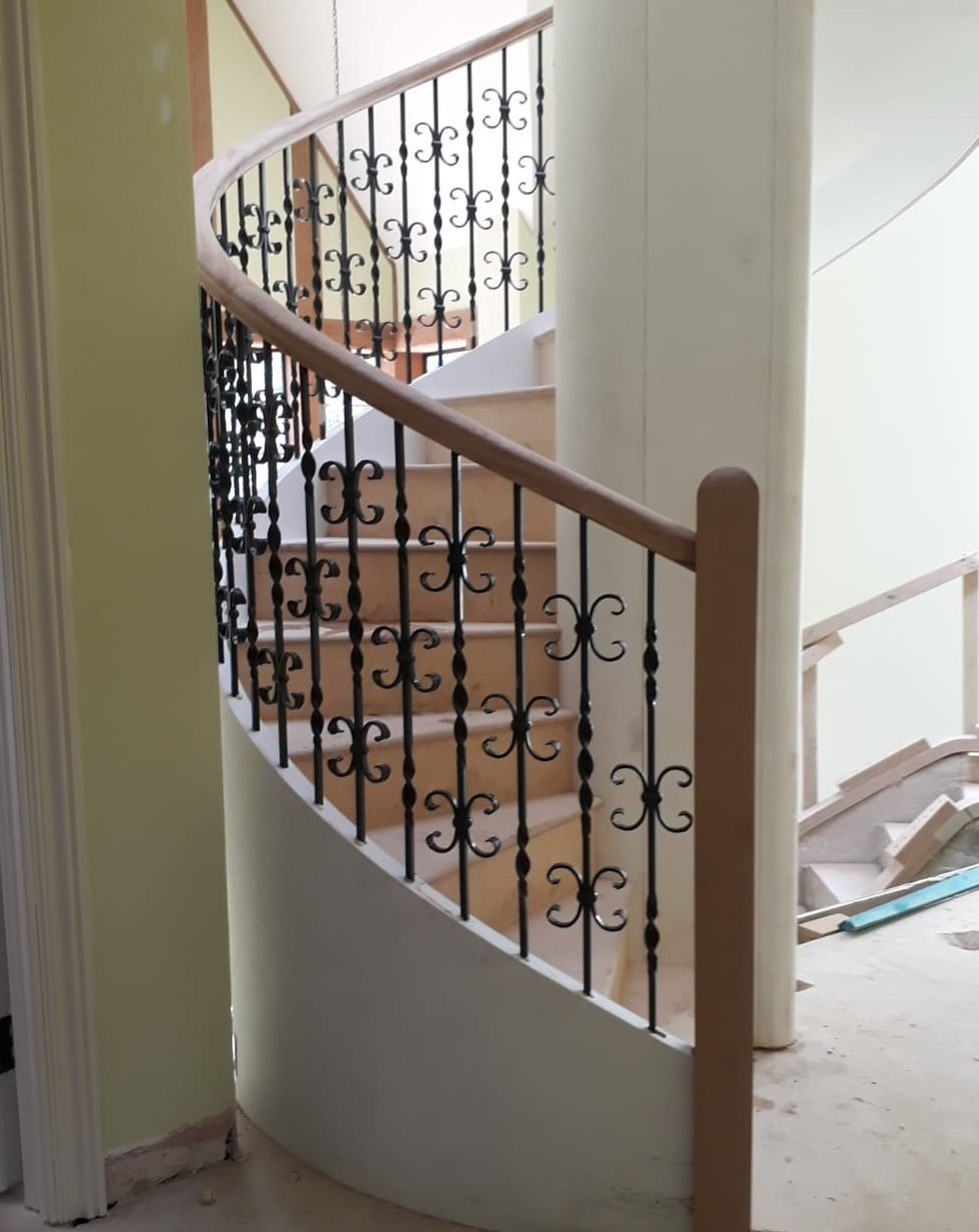 Best Spiral Staircase With Decorative Balustrading Staircase 400 x 300