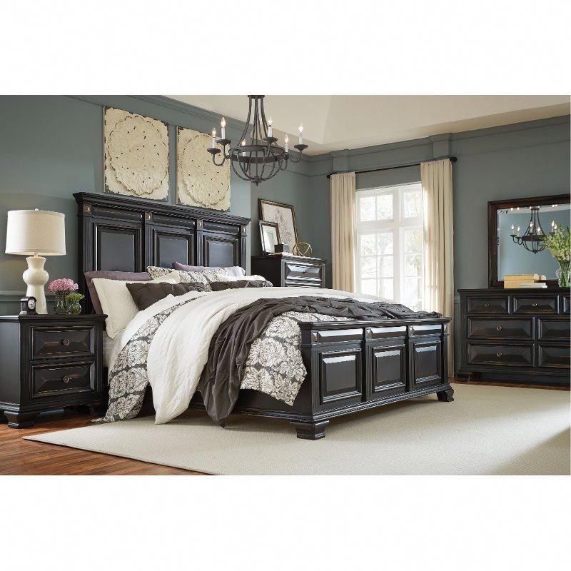 Black Traditional 4 Piece King Bedroom Set Passages In 2020 Wood Bedroom Sets Bedroom Furniture Sets Black Bedroom Sets