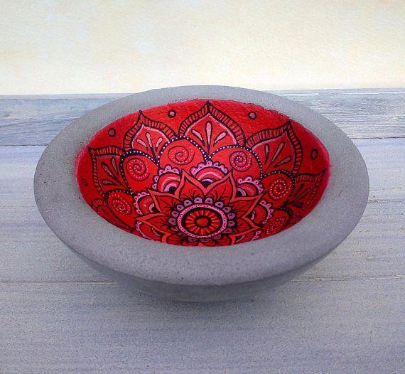 diese rote mit einem orientalischem mandala bemalte betonschale ist ein tolles modernes und. Black Bedroom Furniture Sets. Home Design Ideas