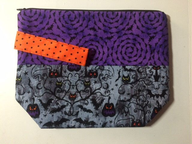 Halloween is Coming: Stand-Up Medium Knitting project bag by DebbyReeceDesigns on Etsy https://www.etsy.com/listing/246902534/halloween-is-coming-stand-up-medium