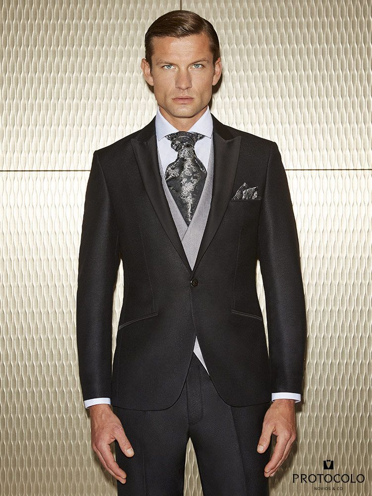 traje de novio negro de corte slim de un solo botón modelo ciria con