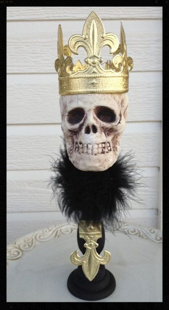 King of Skulls Halloween Decoration Decoration, Halloween ideas - skull halloween decorations