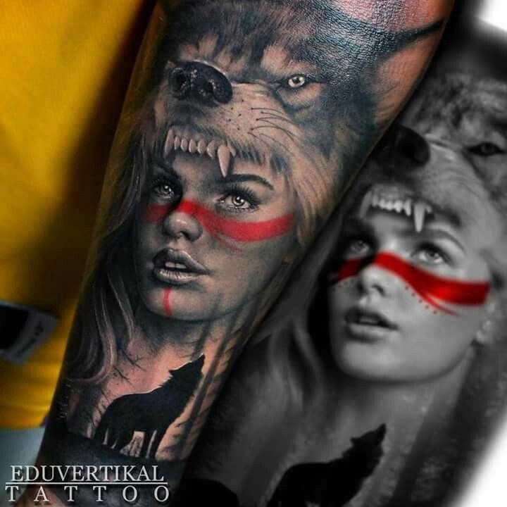 Rode Streep Gezicht Ink Wolf Girl Tattoos Native
