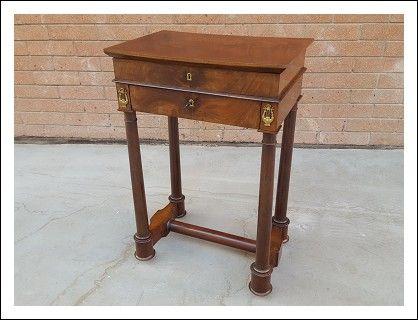 Tavolo scrittoio ~ Tavolino da lavoro con scrittoio in mogano epoca primi