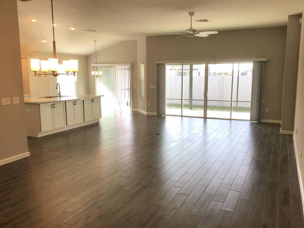 1724 Natalino Rd The Villages Fl 32163 Apartments For Rent Zillow Renting A House Apartments For Rent House