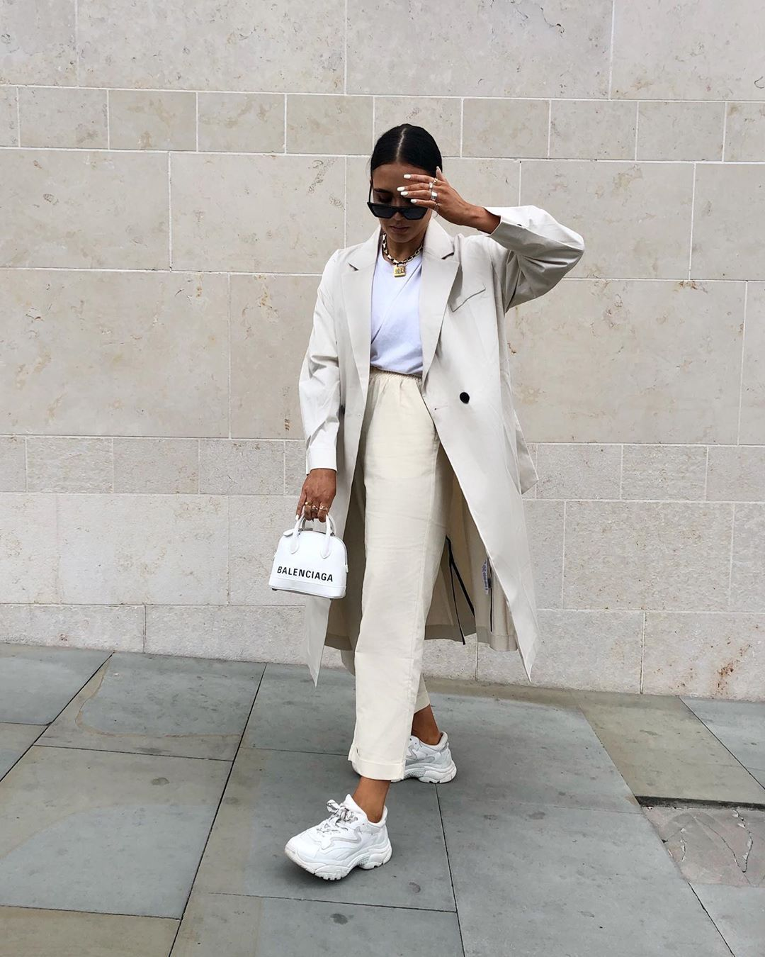 Follow me for more inspirations #fashion #style #outfitoftheday #outfitideas #fashion #style #lookbook #fashiontrends #fashionoutfits #outfits #outfitoftheday #outfitideas #outfitinspiration #styleinspiration #styleblogger #dresses