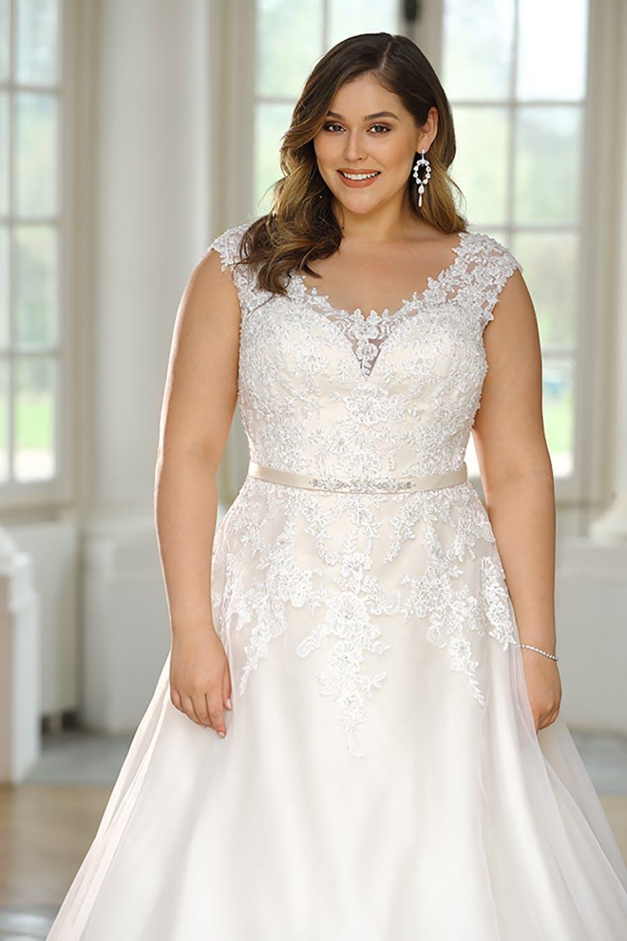 17 Amazing Wedding Dresses for Older Brides Classy