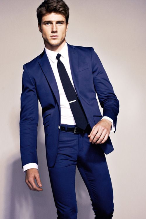 dd47791f95eb Blue suit with tie clip. Like a boss. Men s fashion   mens style ...