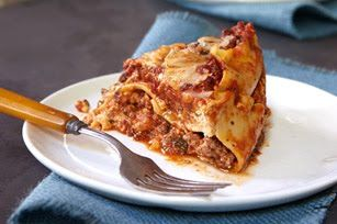 Slow Cooker Lasagna taken from Six Sisters Stuff
