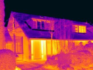 Vanmorgen deed Energiekeurplus in #Roden onderzoek naar warmteverlies & problemen met water in de kruipruimte met gebruik van #thermografie: www.energiekeurplus.nl