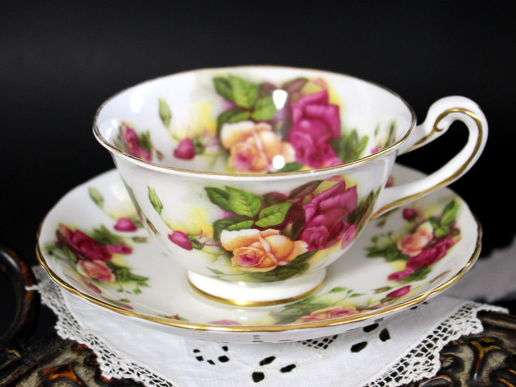 Royal Chelsea, Tea Cup and Saucer Set, Bone China, Vintage Teacups. Peach and pink roses, set on a crisp white background. Decoration is repeated in the cup's interior, just a GORGEOUS set! Good Pre-o