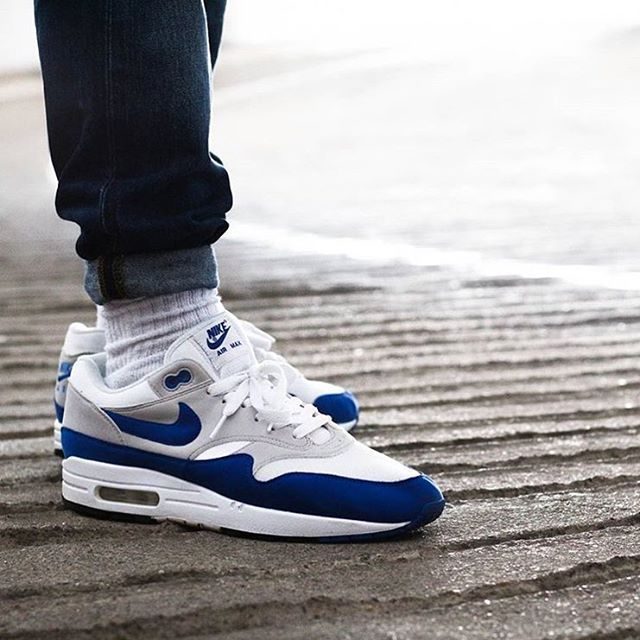 best service afcf7 fdc98 NIKE AIR MAX 90 PREMIUM SNAKE  700155-101 (via RunColors) Click to shop   Shoe Envy  Nike, Shoes, Sneakers nike