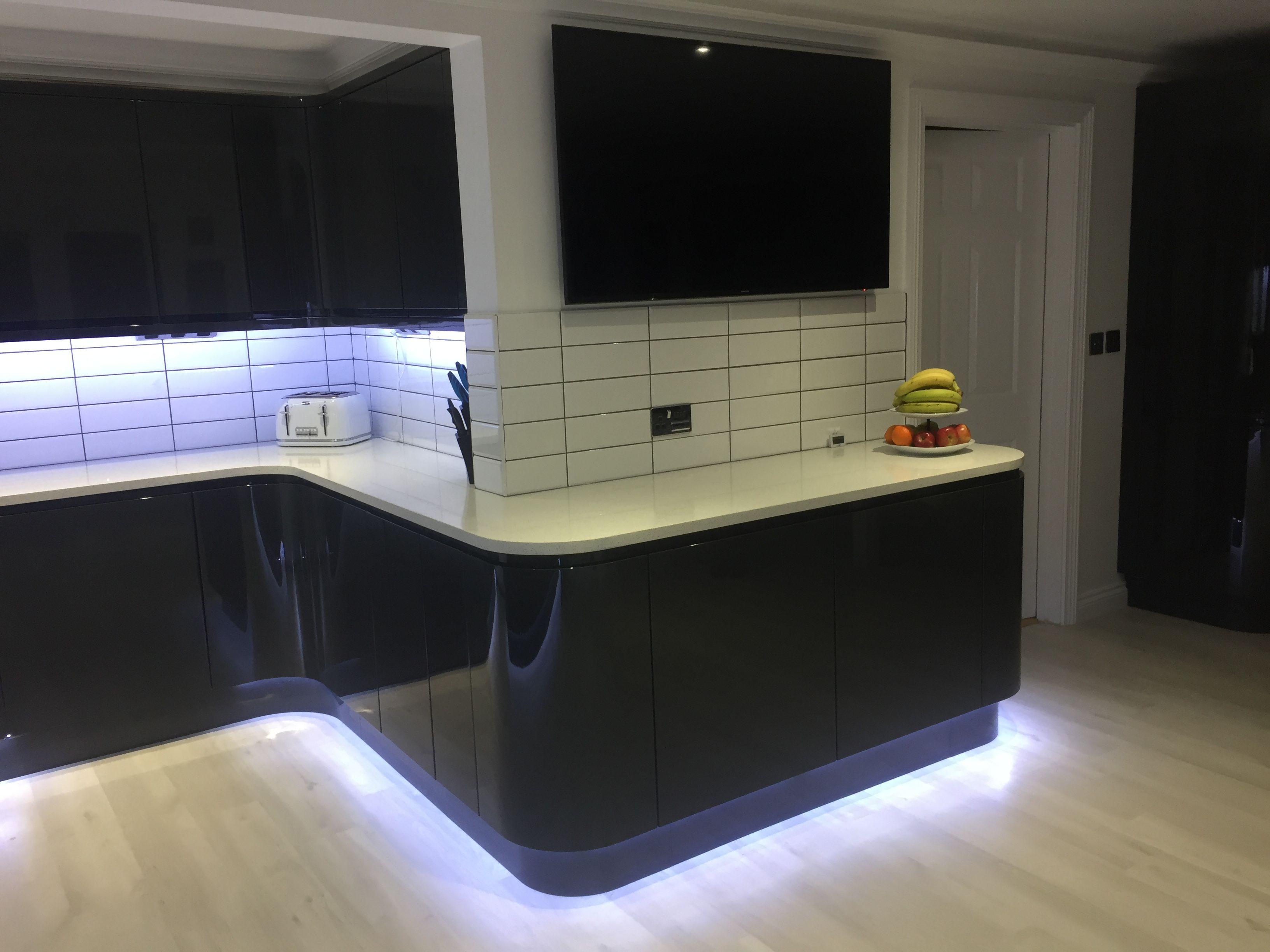 Dark Grey Gloss Kitchen White Subway Tiles White Quartz