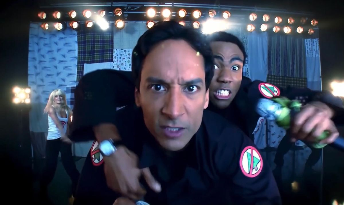 """Community: """"Christmas Infiltration"""" with Donald Glover & Dani Pudi [Favorite Scenes]"""