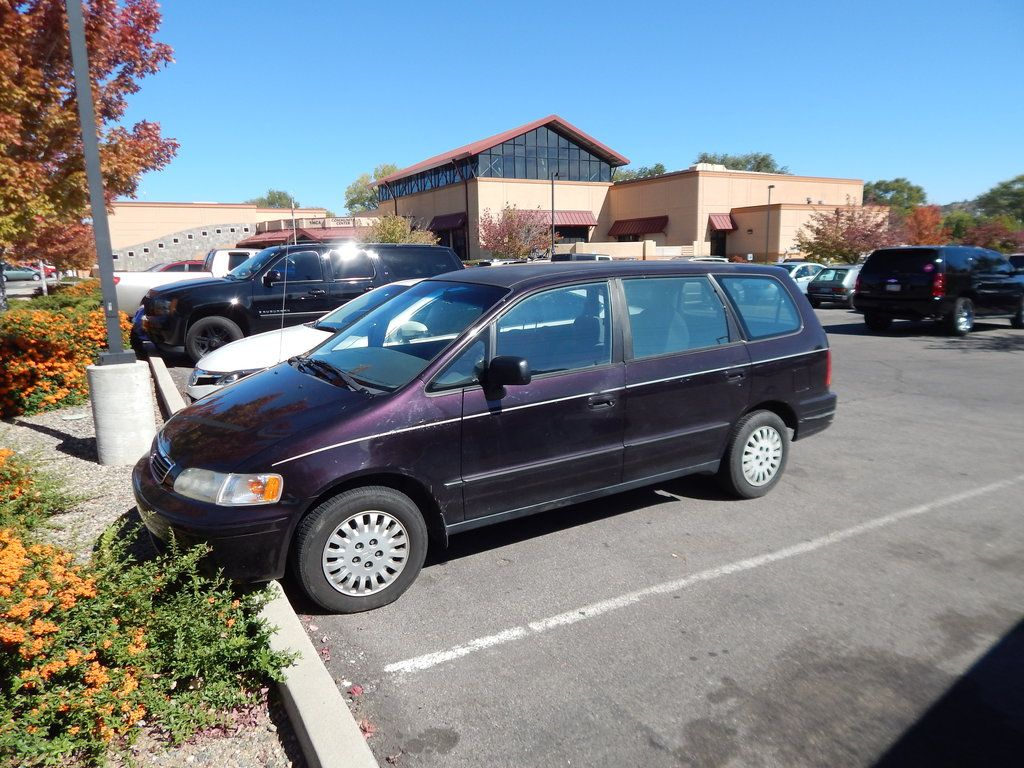The Honda Odyssey Is A Minivan That Was Introduced In Late 194 For The 1995 Model Year In Europe It Was Branded As The Hond Honda Odyssey Honda Shuttle Honda