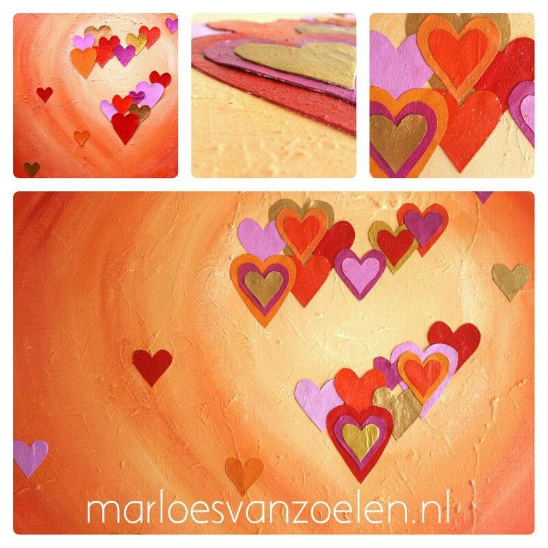 28 juni 2015. Ik bracht een extra laag hartjes aan op schilderij Hartig hart. Is beter zo. Vind ik. Spannender. Meer leven.