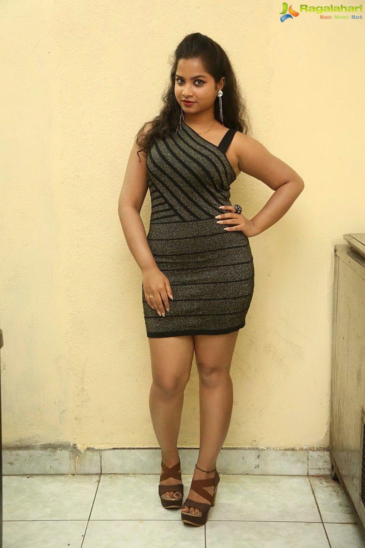 Под юбкой у индийских актрис фото 414-364