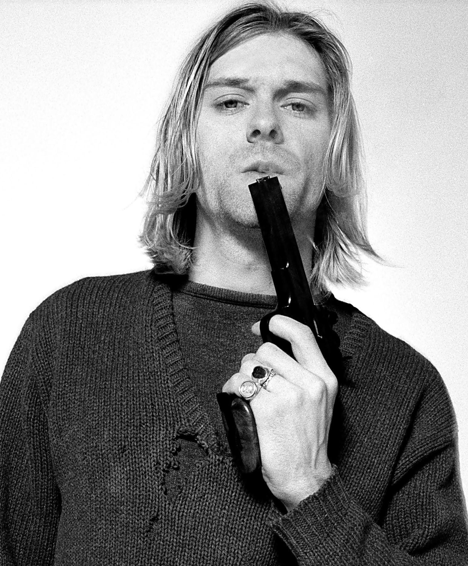 kurt cobain fumando tumblr - Pesquisa Google  8e2c73251b8