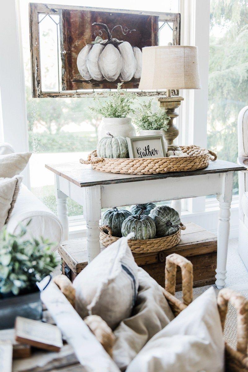 15 Lovely Farmhouse Style Fall Decor Ideas #herbstdekotischtablett