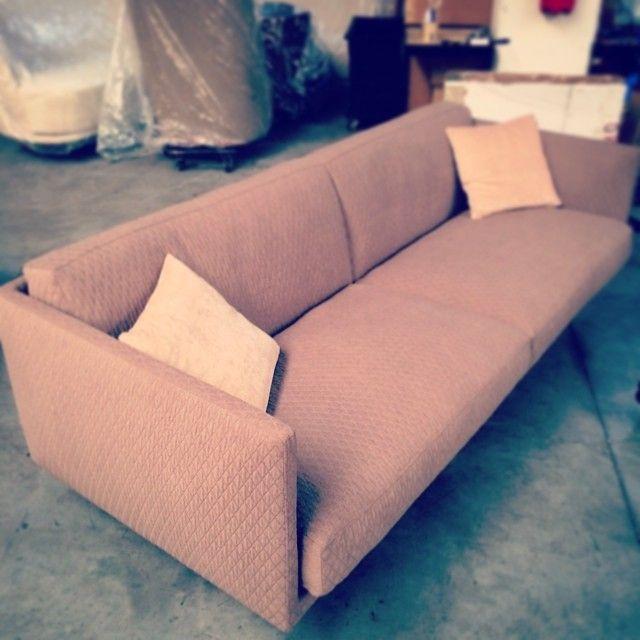 #pink #vintage #route66 #sofa #interiors #interiordesignideas #style  #homedecor