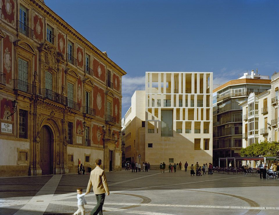 Rafael Moneo / city hall Logronon, Spain