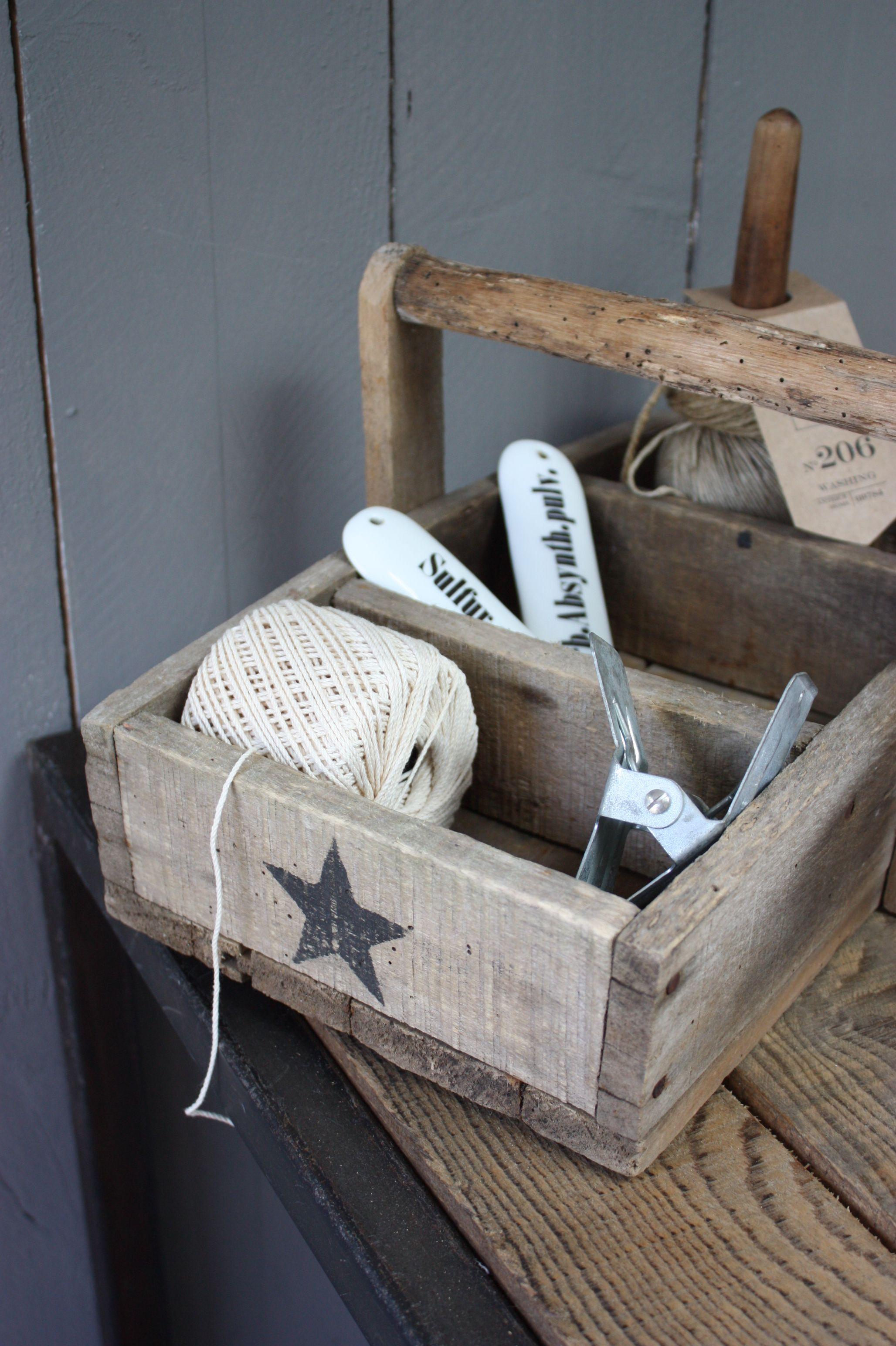 le grenier de ninon thuis met moon stars pinterest pallets star and box. Black Bedroom Furniture Sets. Home Design Ideas