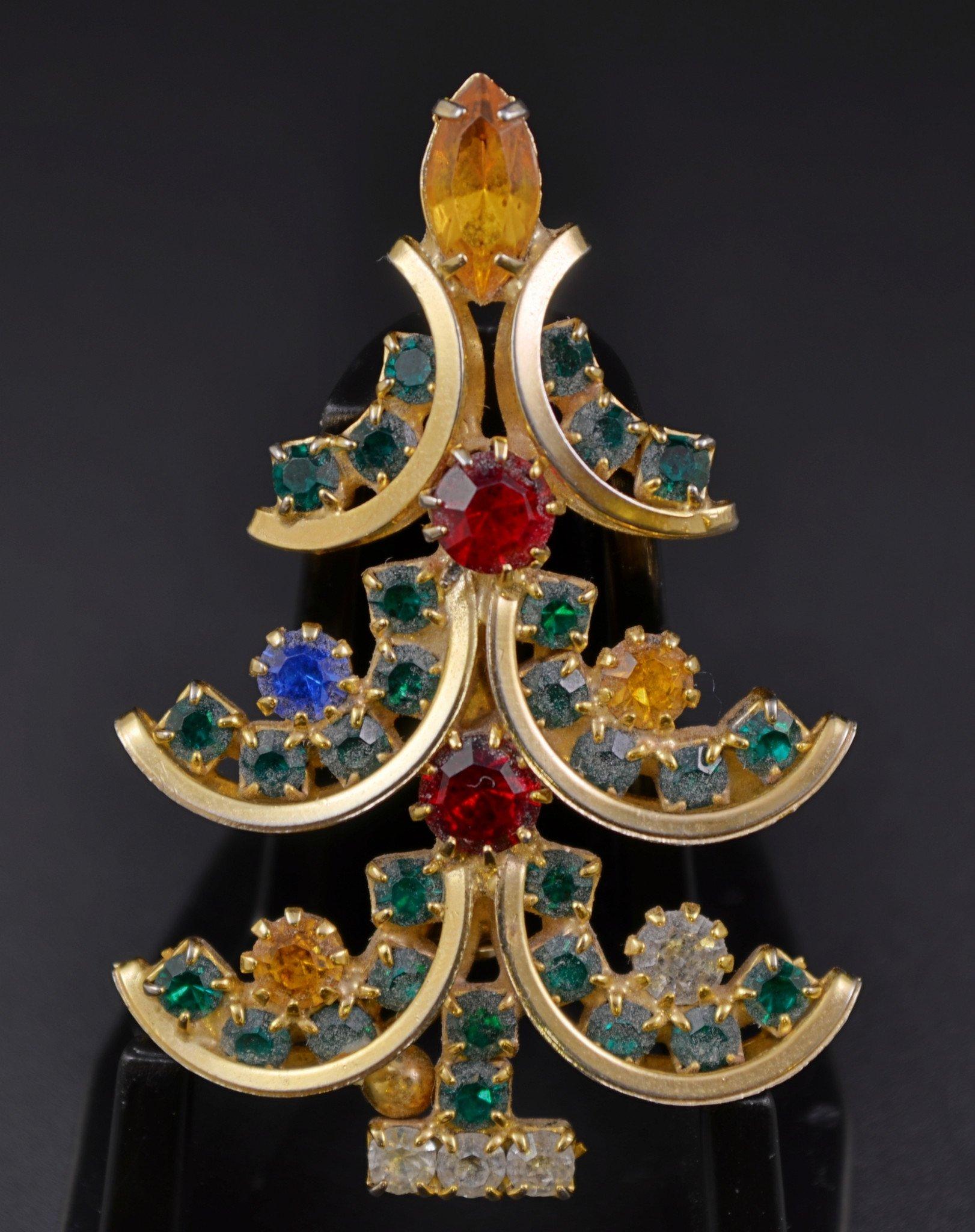 Rhinestone Prongset High End Christmas Tree Pin