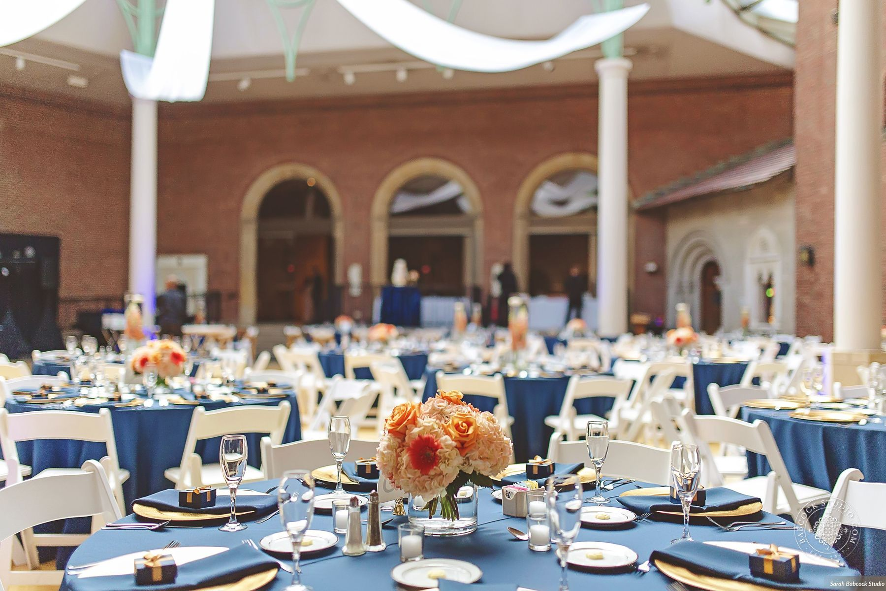 Navy And Gold Wedding At The Dayton Art Institute Image By Babcock Studio Dayton Gold Navy Weddings Events Table Fusion Wedding Event Rental Party Event