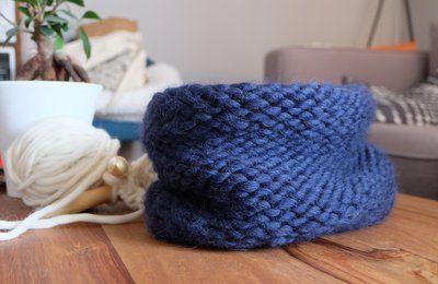 Mon bonnet aux aiguilles circulaires deuxième version   Aiguilles circulaires, Bonnet, Poncho