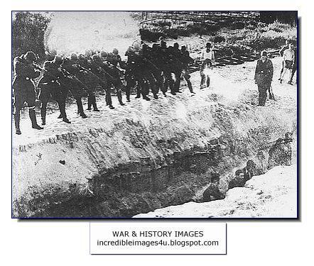 Einsatzgruppen killing squads start