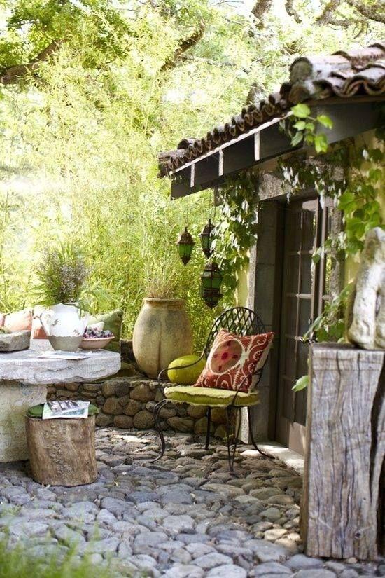 Patio behind the garage garden pinterest patios for Jardin casa rustica