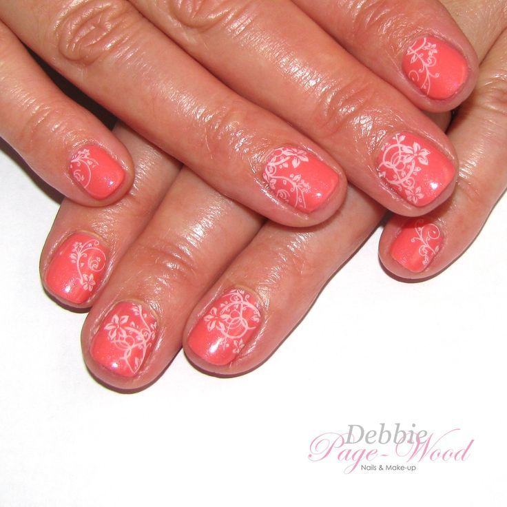 Artistic Colour Gloss in Snapdragon (coral shimmer) with