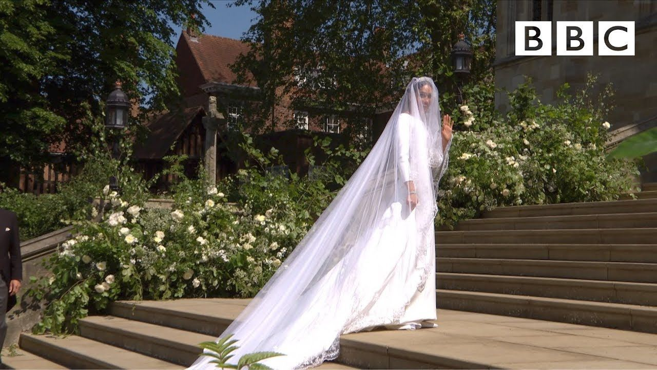 Royal wedding dress  Beautiful Meghan Markle arrives in exquisite wedding dress  The
