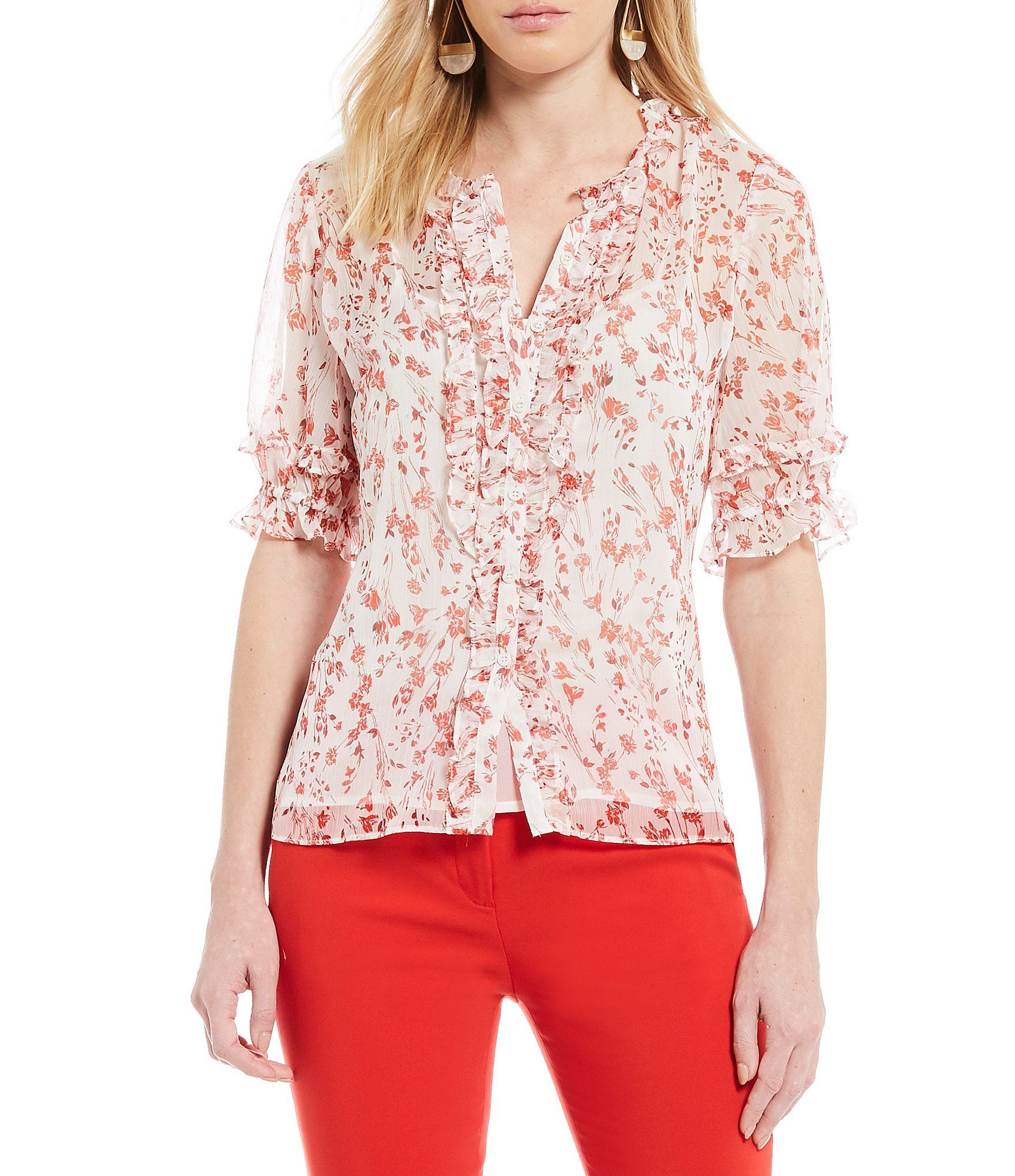 Cece delicate floral print short sleeve ruffled button