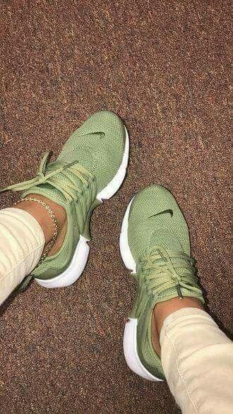 best website 9d529 29977 Olive green Nike s