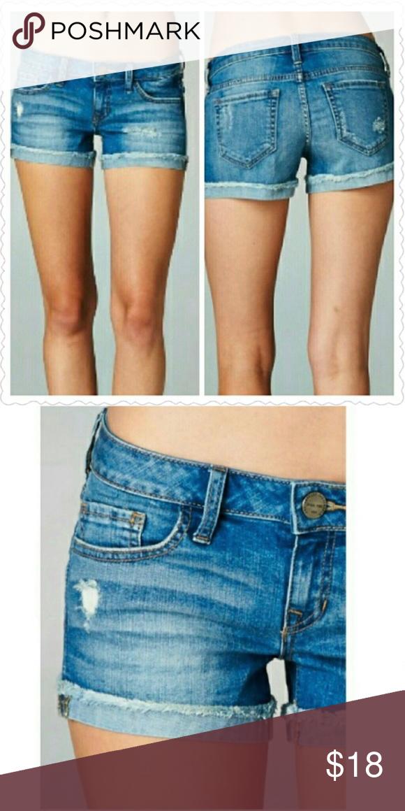 Shaven pussy denim shorts