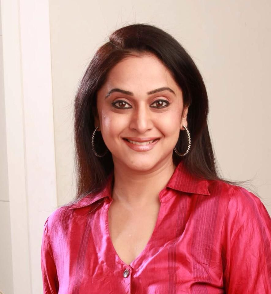 Mrinal kulkarni marathi beauty n glamour pinterest mrinal dev kulkarni is an indian actress mostly active in marathi television serials as well as a film and television actress writer director thecheapjerseys Images
